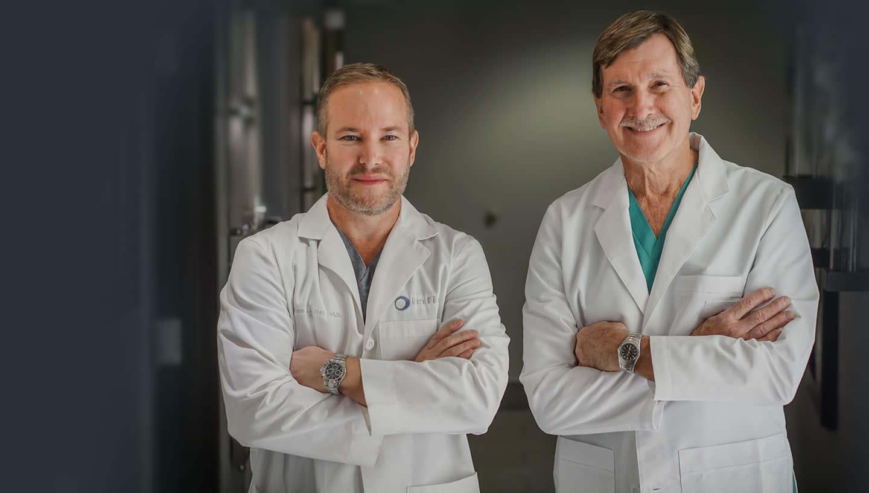 De Renombre Nacional Cirujanos Cosméticos